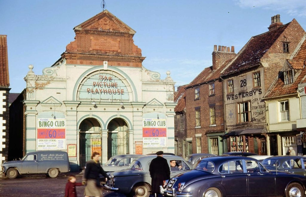 "Beverley Picture Playhouse about 1966 <a href=""http://www.geograph.org.uk/profile/69729"">Chris Morgan</a>"
