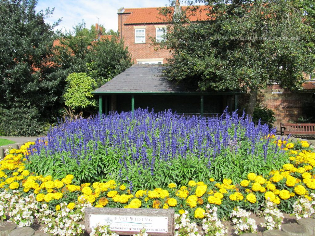 The beds and grass at Lord Roberts garden are well maintained by the local council
